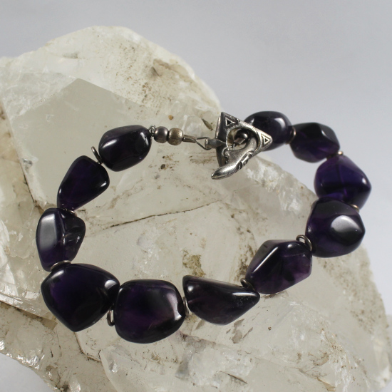 natural amethyst tumbled beads bracelet with cast silver clasp