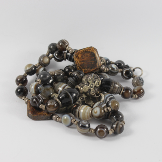 Botswana agate beads necklace jewelry with burnt buffalo horn beads