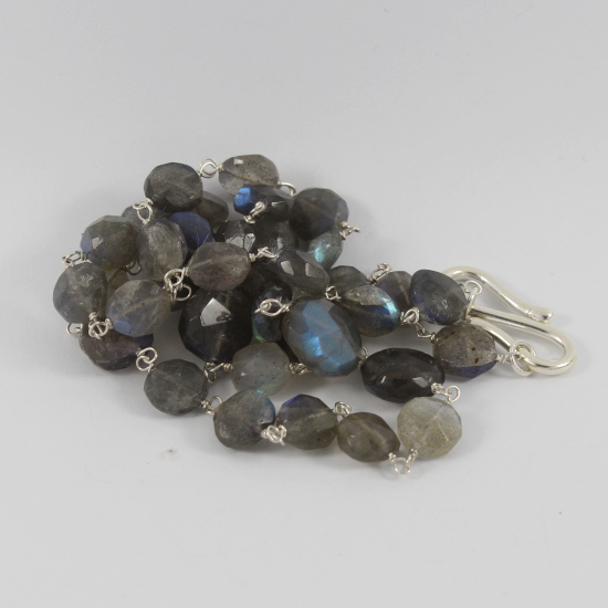 facet mani labradorite bead necklace