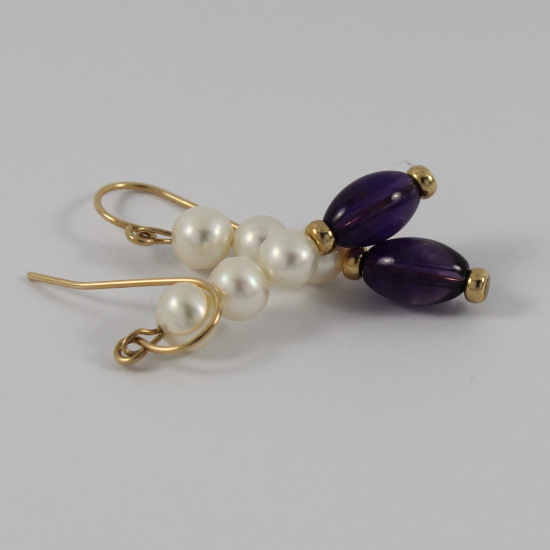 5mm white cultured pearl earrings with amethyst globes in gold