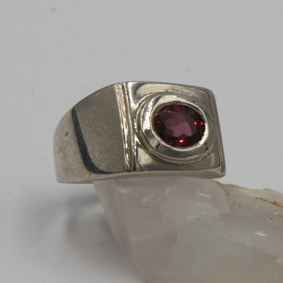 7x9mm faceted garnet gemstone silver fat band ring