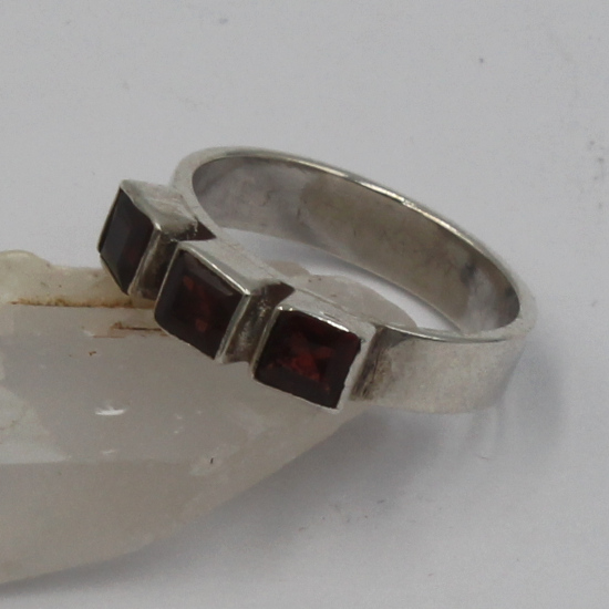 5mm square faceted garnet silver ring