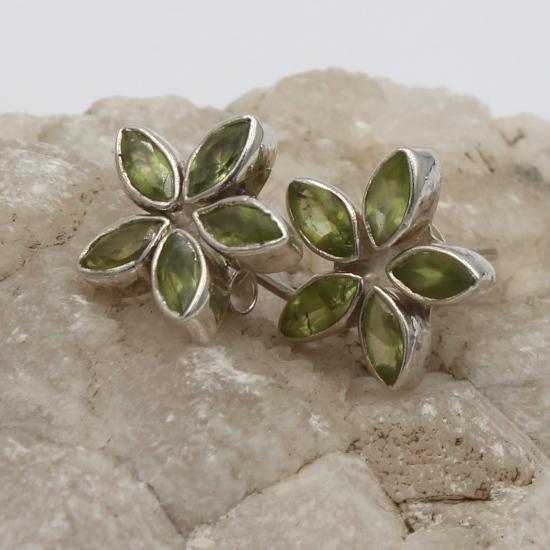 flower stud peridot earrings gemstones