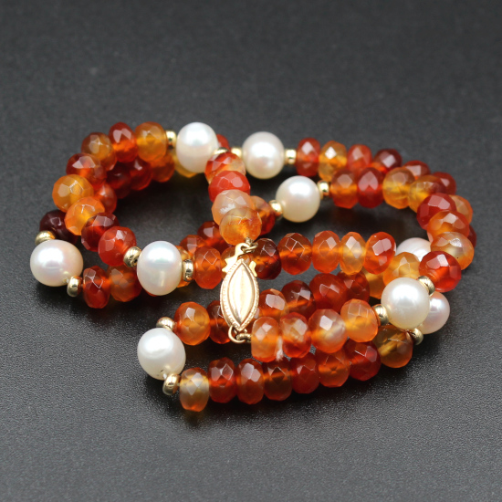 9mm cultured pearls and facet carnelian necklace with gold clasp