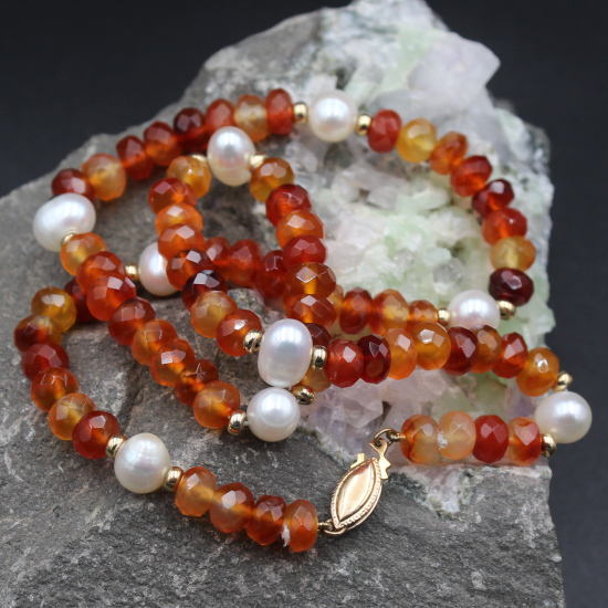 faceted carnelian beads with 9mm cultured pearls and rolled gold clasp