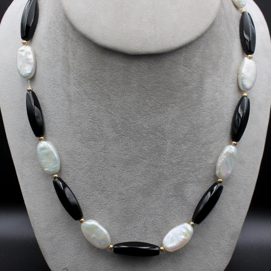 mother-of-pearl ovals necklace with black onyx beads