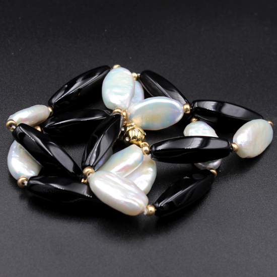 mother of pearl beads with onyx necklace