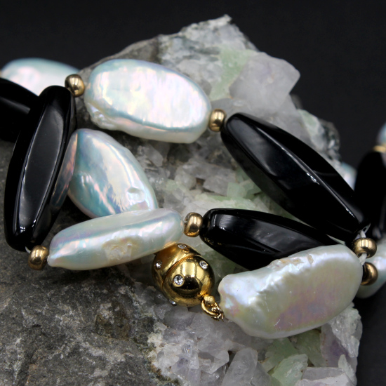piano pearls with onyx barrels