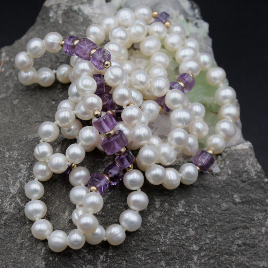 6mm cultured pearls and amethyst discs with gold spacers