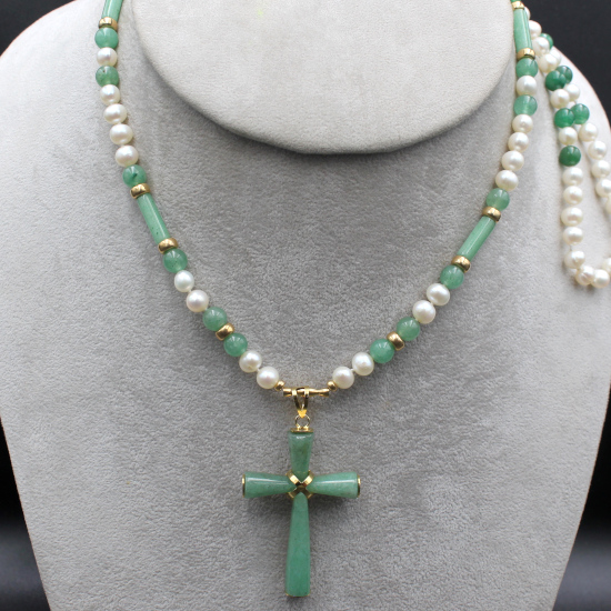 pearl necklace with aventurine barrels