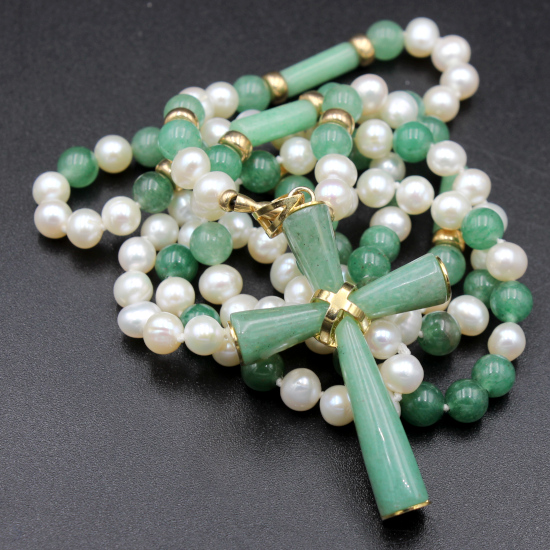 6mm cultured pearl and 6mm aventurine bead necklace with aventurine gold cross