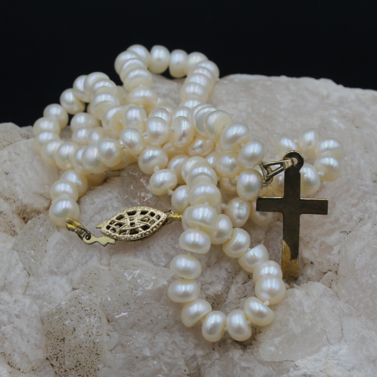 cultured pearl necklace with gold cross