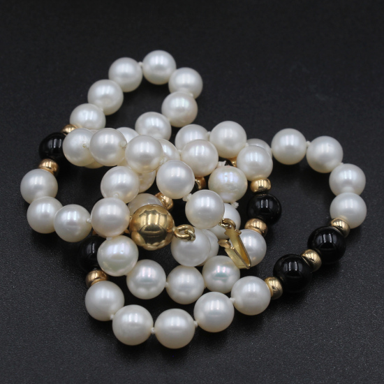 cultured pearls and black onyx bead necklace