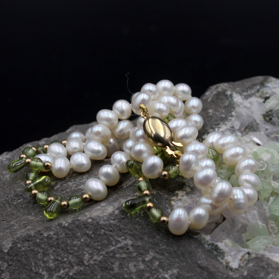 cultured potato pearl and peridot drops bead necklace
