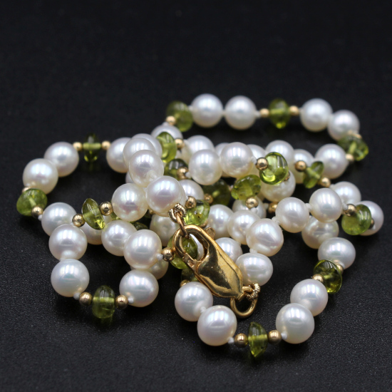 unique stone jewels pearl and peridot button necklace with gold spacers